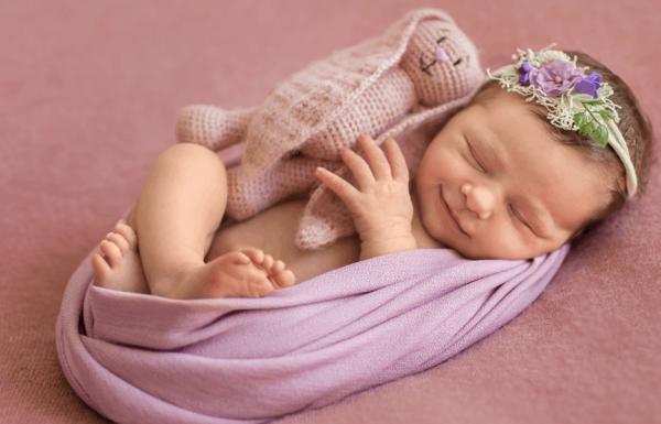 100 Baby Girl Names Beginning With D – (Modern, Traditional & Unique Ideas)