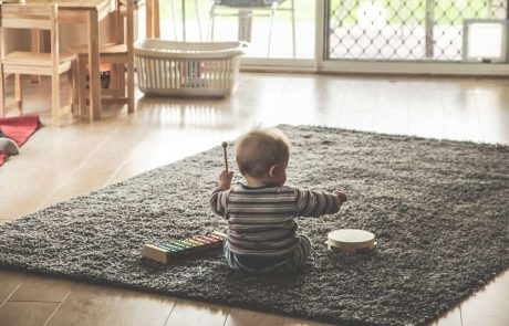 9 Totally Play-Worthy First Baby Toys (0-6 Months)